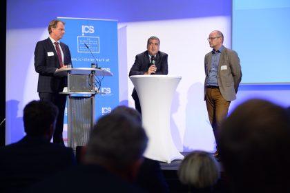 ©Foto Fischer | Q&A-Session mit Robert Brugger (ICS) und den beiden Keynote-Speakern Alexander Busch (li) und J. Humberto Lopez (re)